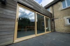 Sliding-doors-english-oak-outside-view