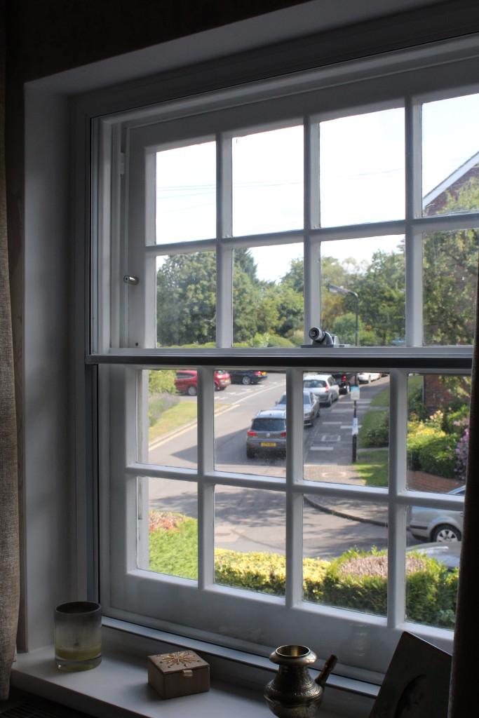 IMG_ CBVS SHUT LIGHT WINDOW CILL