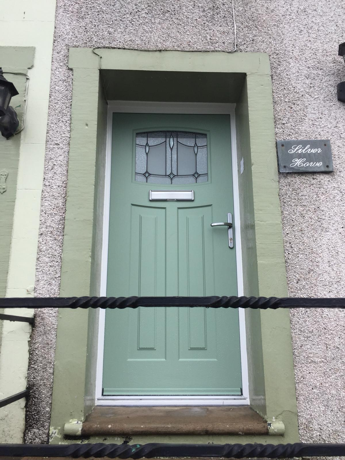 Traditional 1930 Chartwell Green Door